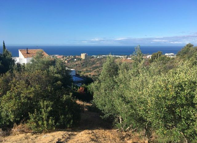 Plots with sea views in East Marbella