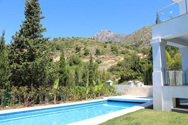 New villa with sea views