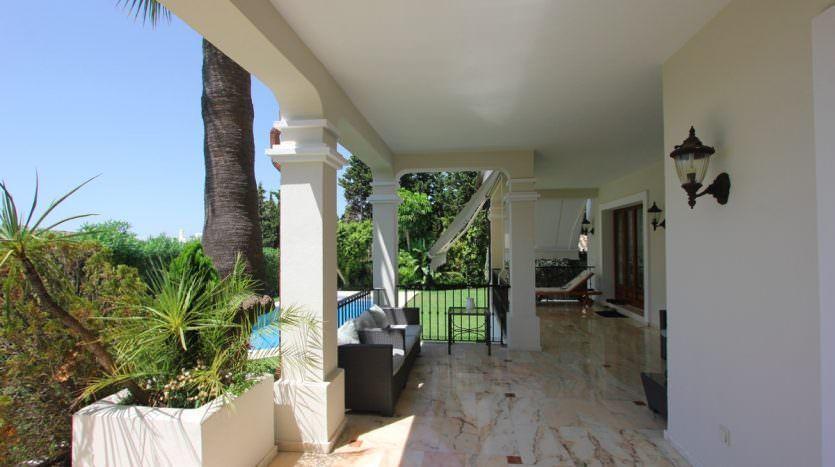 Villa with sea views