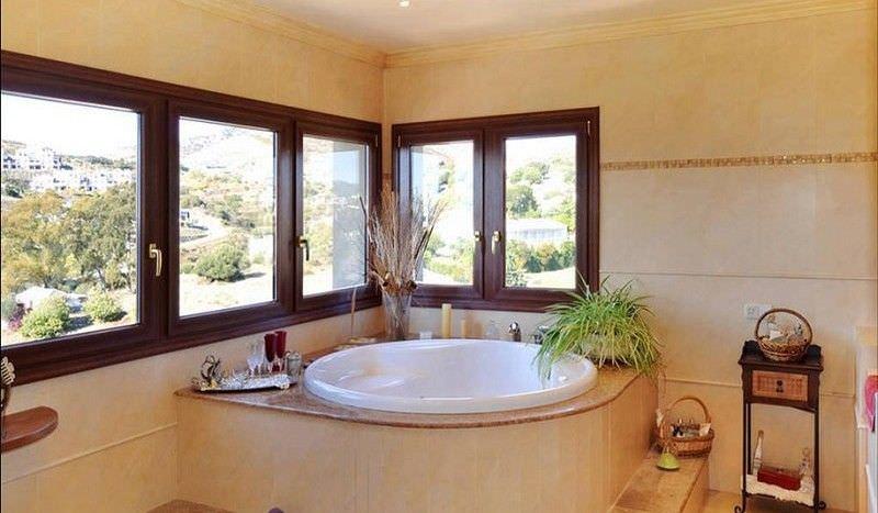 Villa with open sea views