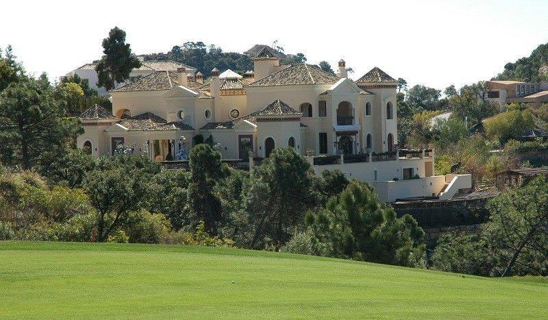 Fantastic mansion with sea views