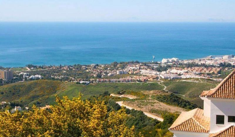 Plots with sea views in Marbella