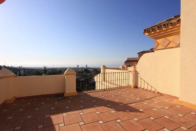 Spacious property with panoramic sea views
