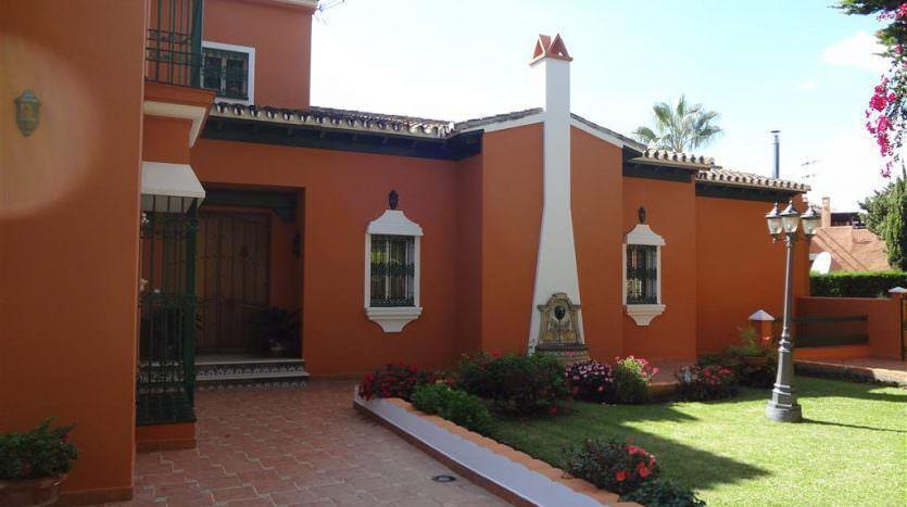 Lovely beachside house