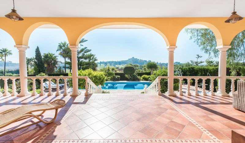 Classic villa with sea views