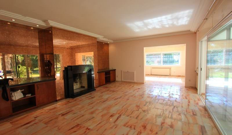Classic style villa plus investment opportunity