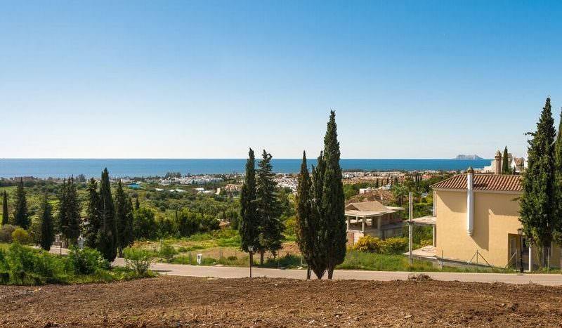 Amazing plot with panoramic sea views