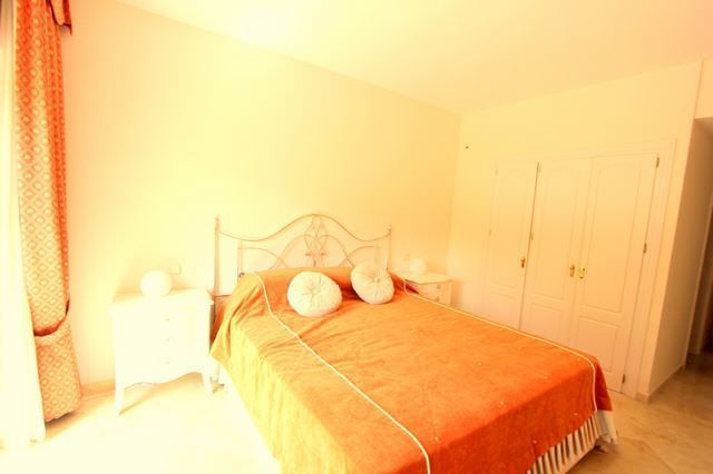 Spacious apartment in Sierra Blanca