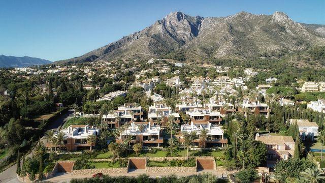 Stunning development with modern villas