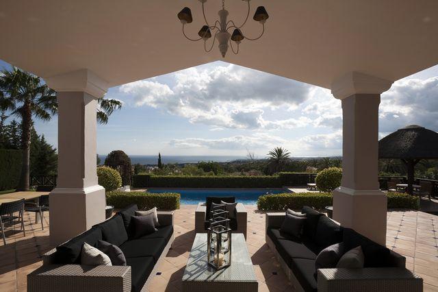 Impressive villa with sea views in Sierra Blanca