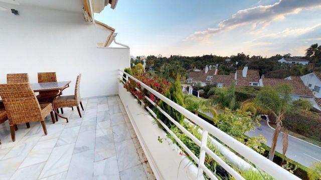 Fantastic duplex penthouse in Guadalmina Baja