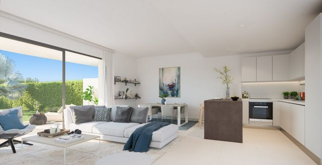 New project with modern apartments in Cala de Mijas