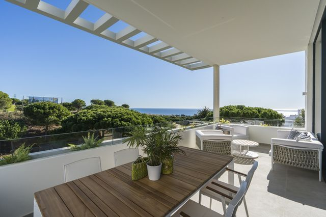 Modern townhouses with open sea views in Cabopino Golf - East Marbella