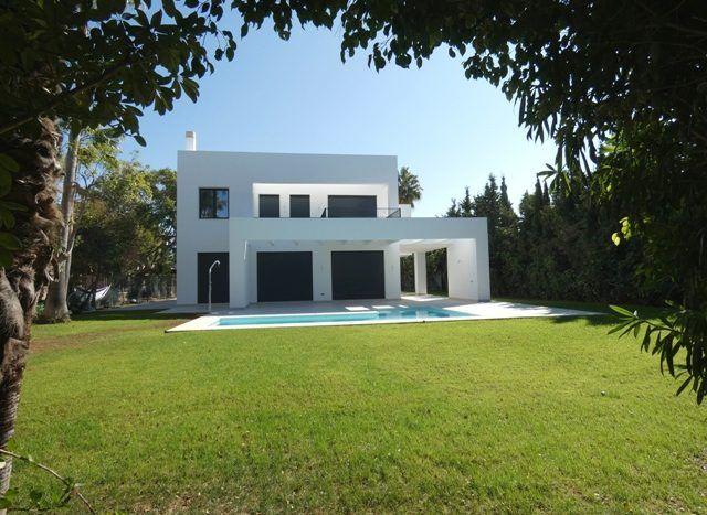 Brand new modern villa nearby the beach