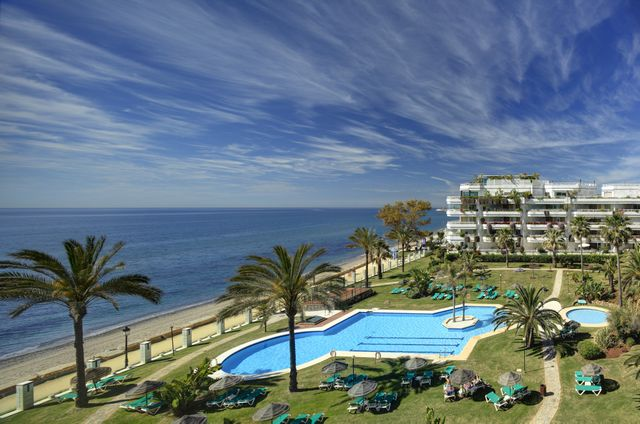 Fantastic apartment with great sea views